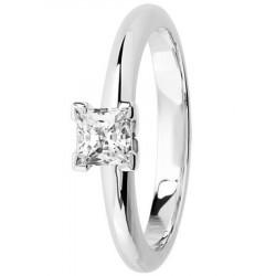 Bague solitaire diamant serti 4 griffes en Platine