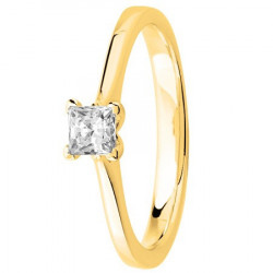 Bague solitaire diamant serti 4 griffes diamant carré en Or jaune